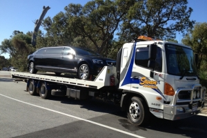 swan-towing-truck-7-limo