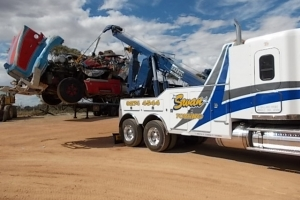 swan-towing-truck-23-freightliner-coronado-recovery-boom