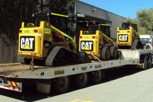 truck-19-semi-tilt-carting-3-skid-steers